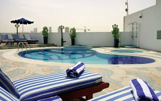 Emiraty Arabskie - Howard Johnson Hotel Bur