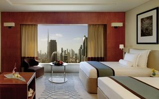 Emiraty Arabskie - Jumeirah Emirates Towers